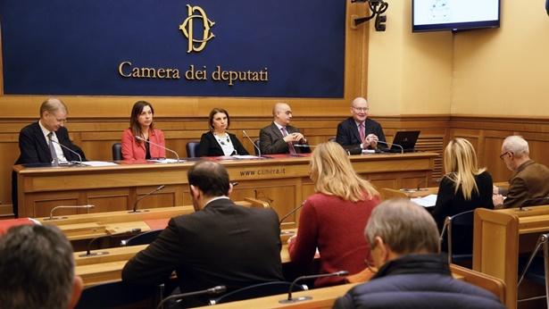 Une conférence de presse sur études de cas d'atteintes aux libertés religieuses en Chine